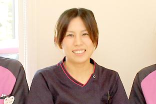 秋山 葵院長|あおいデンタルクリニック